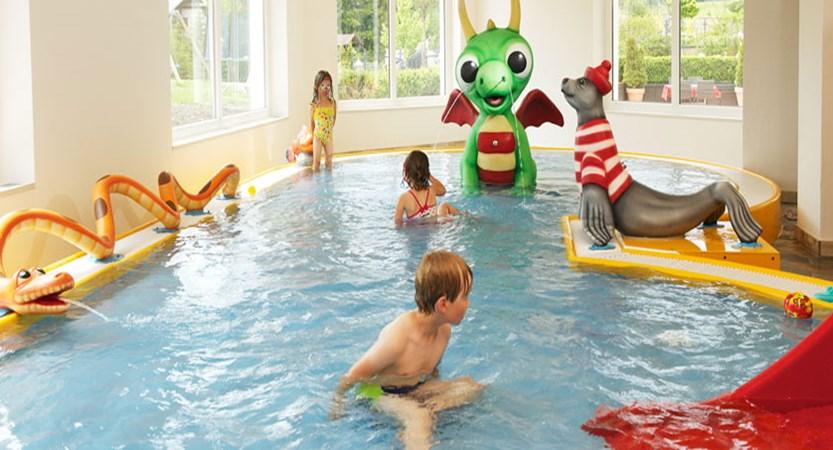 austria_seefeld_family-resort-alpenpark_pool2.jpg