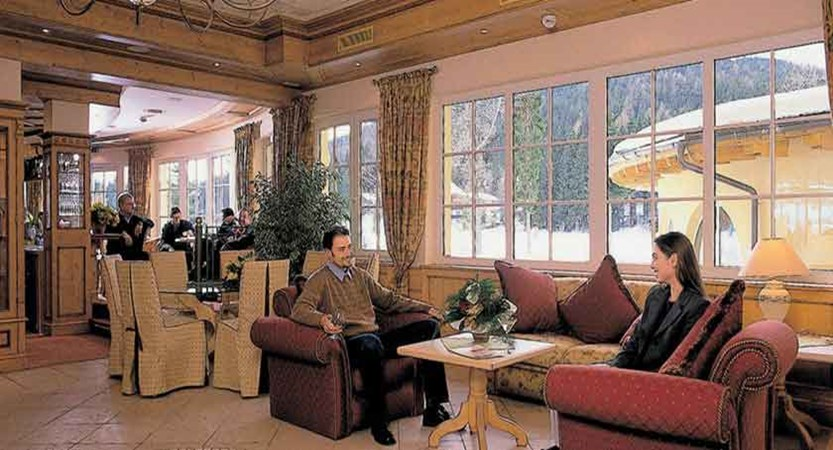 Austria_Seefeld_Hotel-Seespitz_Lounge-area.jpg