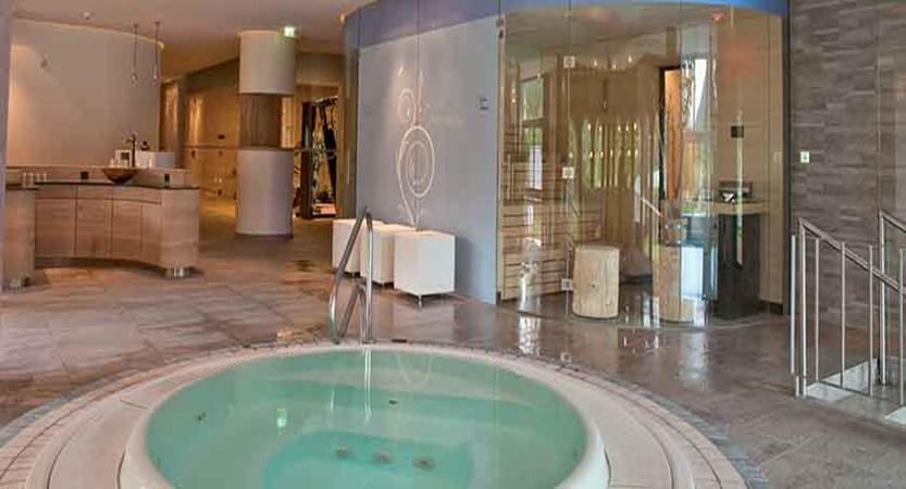 Austria_Seefeld_Hotel-Seespitz_Spa-area-jacuzzi.jpg
