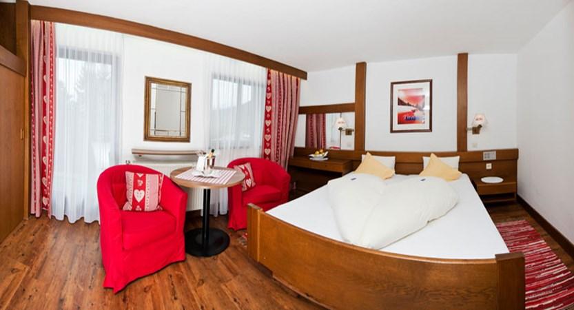 austria_seefeld_hotel-stefanie_bedroom.jpg