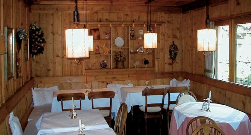 Austria_Seefeld_Stefanie_breakfast_room.jpg