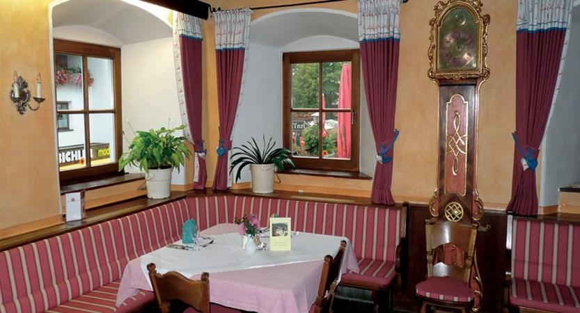 Austria_Oberau_Gasthof_Kellerwirt_Dining_room.jpg