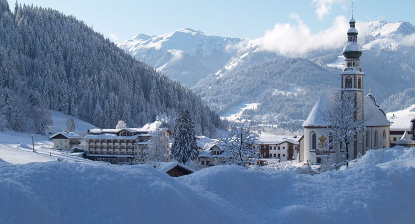 austria_the-ski-juwel-area_oberau_town-view2.jpg