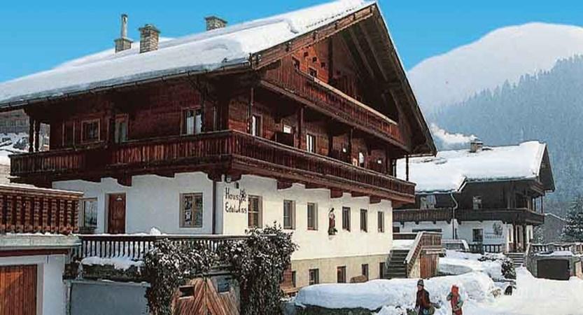 Austria_Alpbach_Haus-Edelweiss_Exterior-winter.jpg