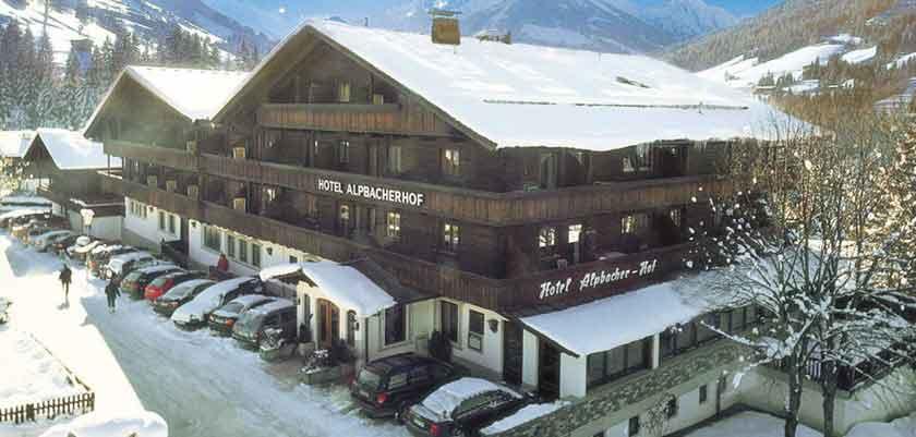 Austria_Alpbach_Hotel-Alpbacherhof_Exterior-winter.jpg