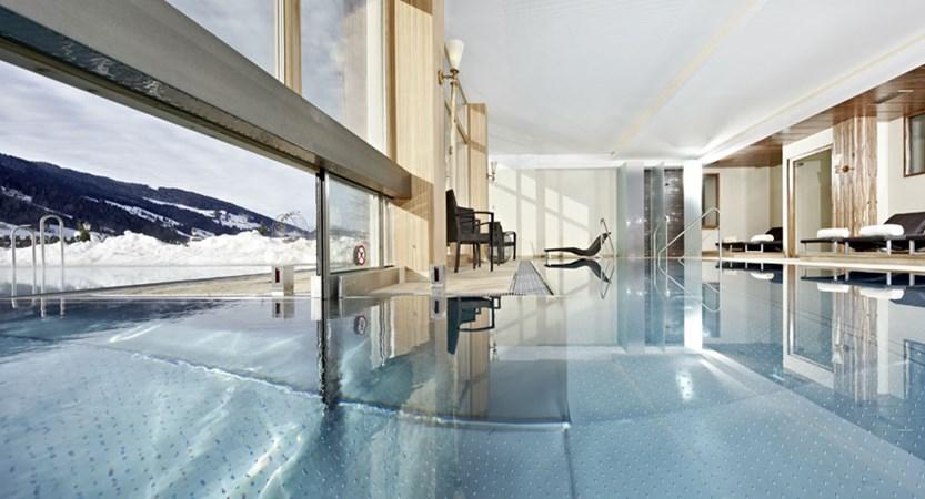 Austria_Alpbach_Hotel-Alpbacherhof_Indoor-outdoor-pool.jpg