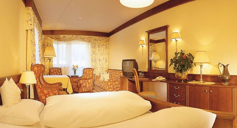 Austria_Alpbach_Hotel-Alpbacherhof_superior-bedroom.jpg