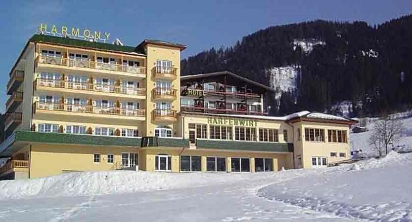 Austria_Niederau_Hotel-Harfenwirt_Exterior-winter.jpg