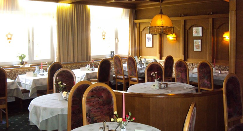 Austria_Niederau_Hotel-Sonnschein_resturant.jpg