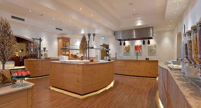 Austria_Ellmau_Hotel-Hochfilzer_Buffet.jpg