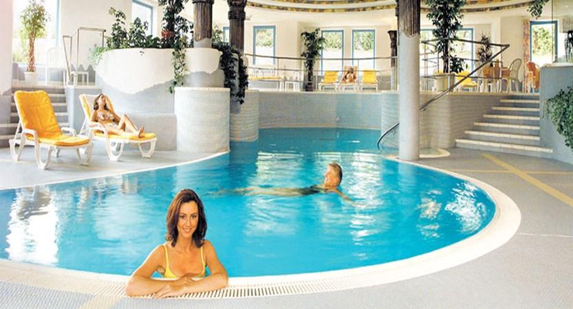 Austria_Ellmau_Sporthotel-Ellmau_Indoor-pool3.jpg