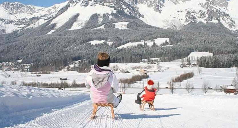 Austria_Ski-welt-ski-area_Ellmau_Tobogganing.jpg