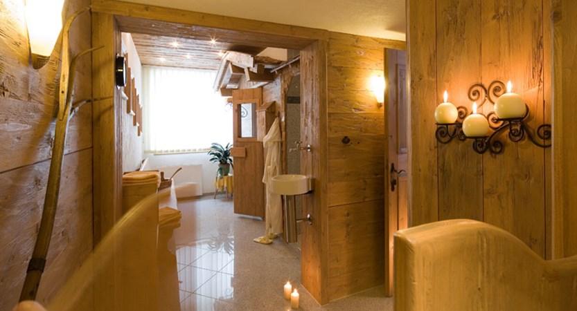 austria_ski-welt-ski-area_soll_hotel-eggerwirt_bathroom.jpg