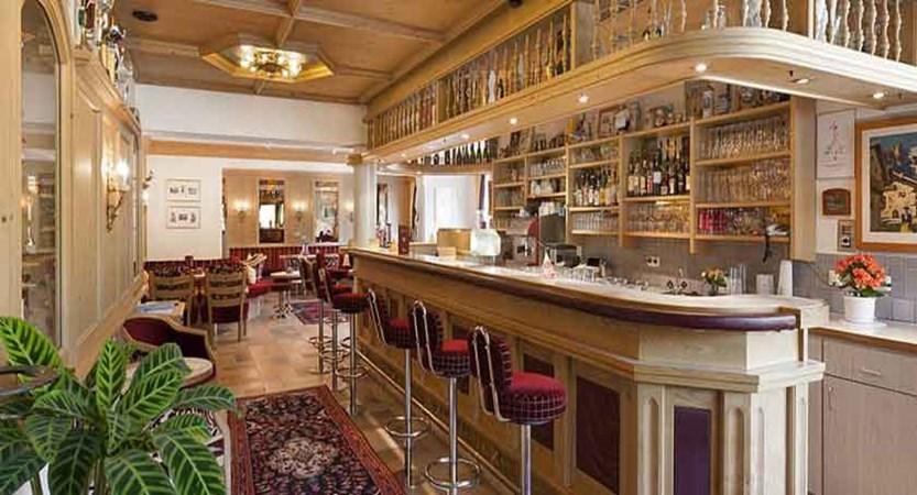 Austria_Soll_Hotel-tyrol_Bar.jpg