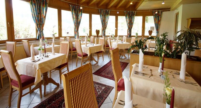austria_soll_hotel-tyrol_restaurant.jpg