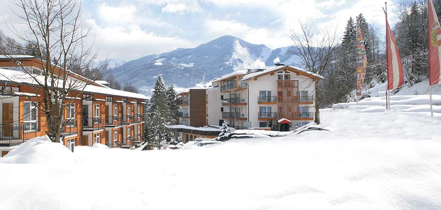 Austria_Zell-am-see_Hotel_Waldhof_outside.jpg