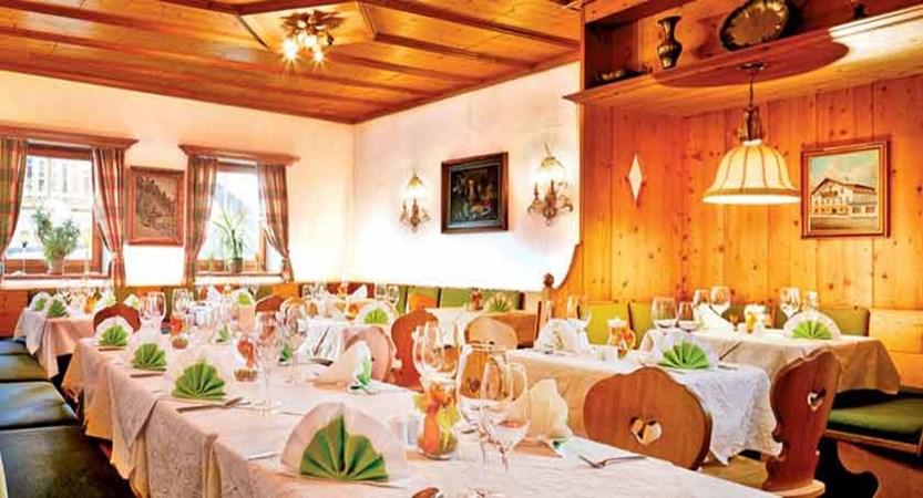 Austria_Zell-am-see_Hotel-Fischerwirt_Dining-room.jpg