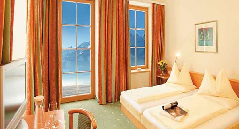 Austria_Zell-am-See_hotel-Grand_Balcony-Bedroom.jpg