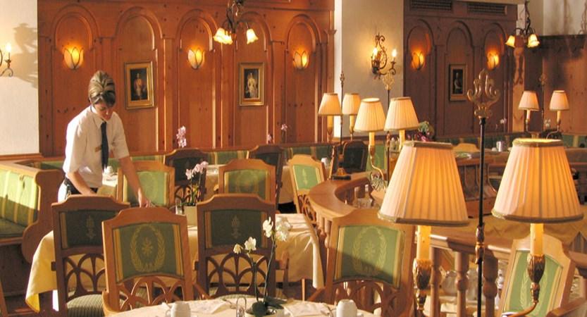 Austria_Zell-am-See_hotel-Grand_restaurant.jpg