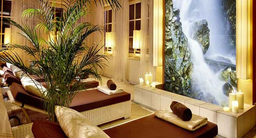 austria_zell-am-see_salzburger-hof_wellness-area.jpg