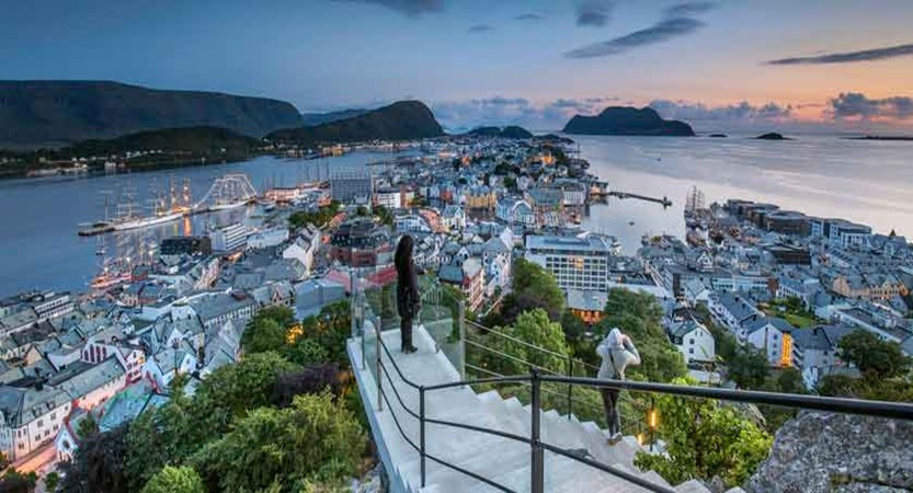 Ålesund view over the town from Mount Aksla steps.jpg