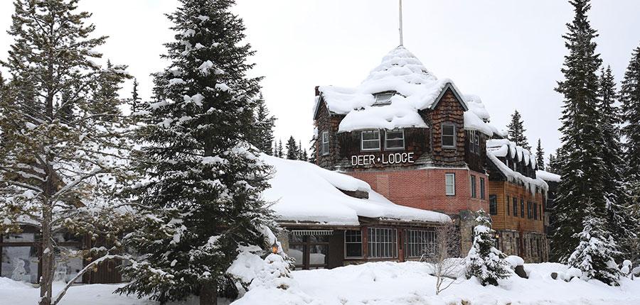 canada_lake_louise_Deer_Lodge_exterior.jpg