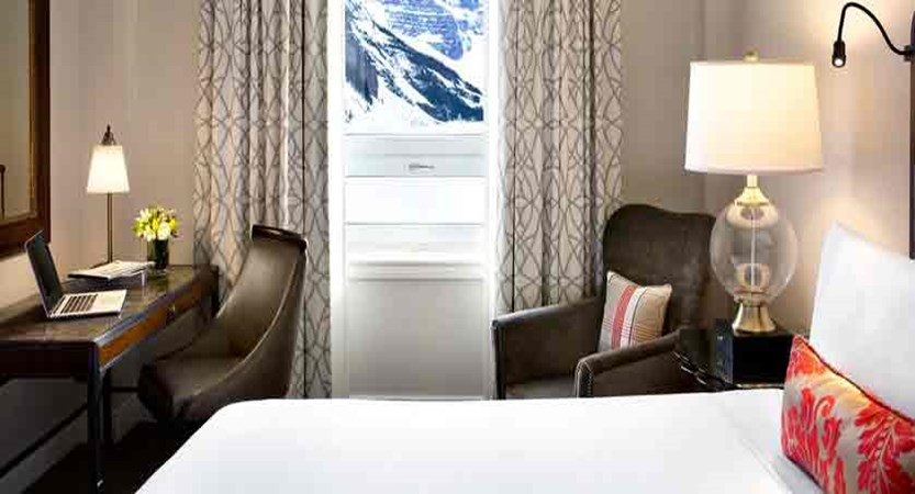 canada_big-3-ski-area_lake-louise_fairmont-chateau-lake-louise_fairmont-lakeview-room.jpg
