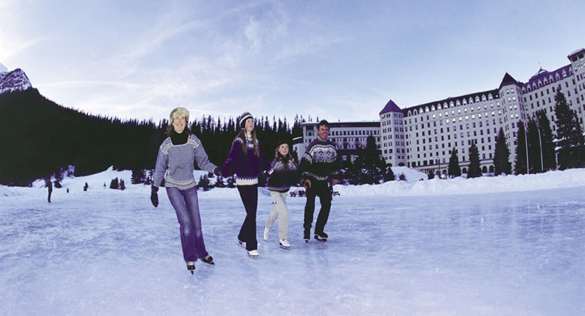 canada_big-3-ski-area_lake-louise_fairmont-chateau-lake-louise_skating-family.jpg