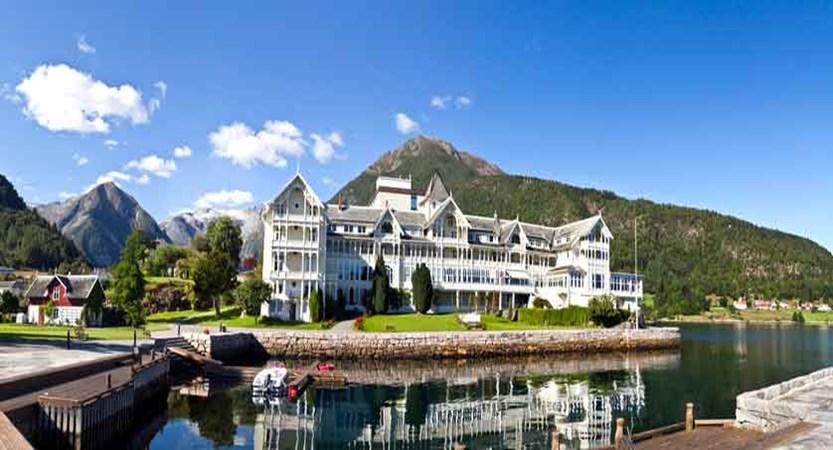 Kviknes Hotel, Balestrand, Norway - exterior.jpg
