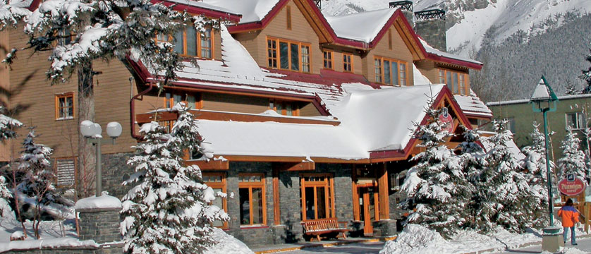 canada_big-3-ski-area_banff_banff-ptarmigan_inn_exterior.jpg