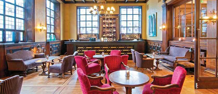 Grand Hotel Terminus, Bergen, Norway - bar.jpg