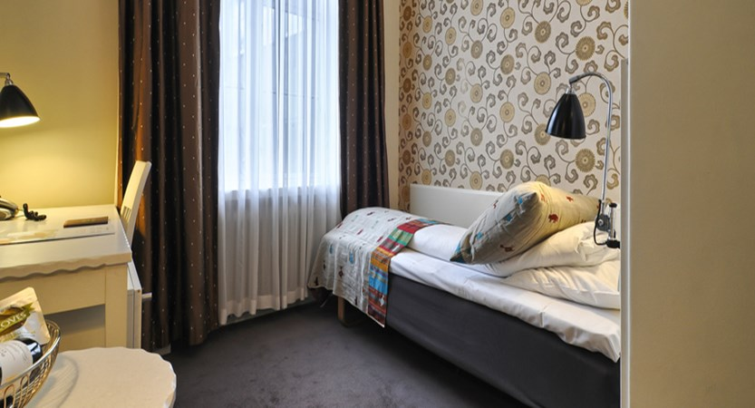 Grand Hotel Terminus, Bergen, Norway - single bedroom.jpg