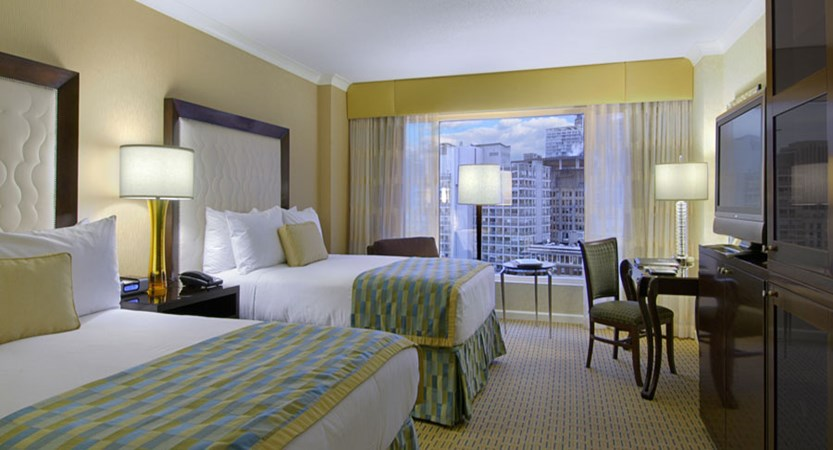 canada_vancouver_fairmont_waterfront_bedroom.jpg