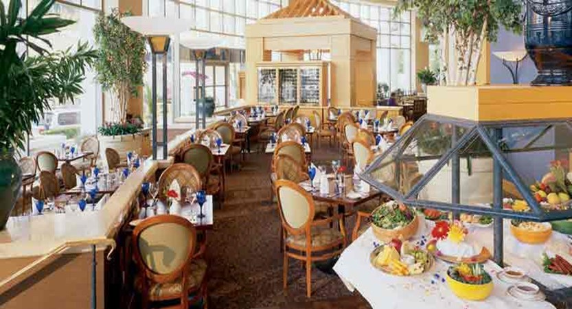 canada_vancouver_fairmont_waterfront_resturant.jpg