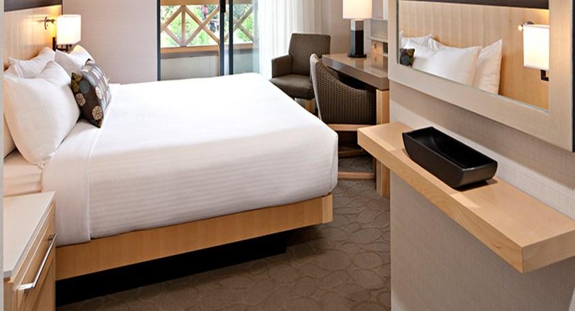 canada_whistler_delta-whistler-village-suites_delta-room.jpg
