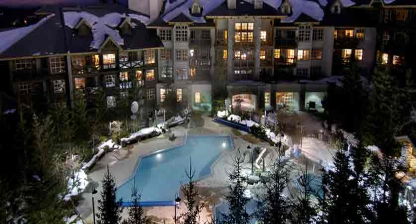 canada_whistler_coast-blackcomb-suites_exterior-pool.jpg