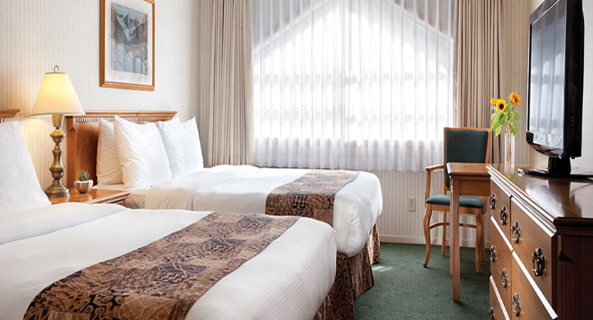 Canada_Whistler_Hotel-Listel_deluxe-room-two-queen-beds.jpg