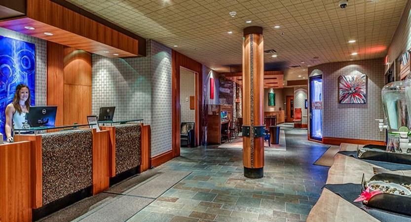 Canada_Whistler_Hotel-Listel_lobby.jpg