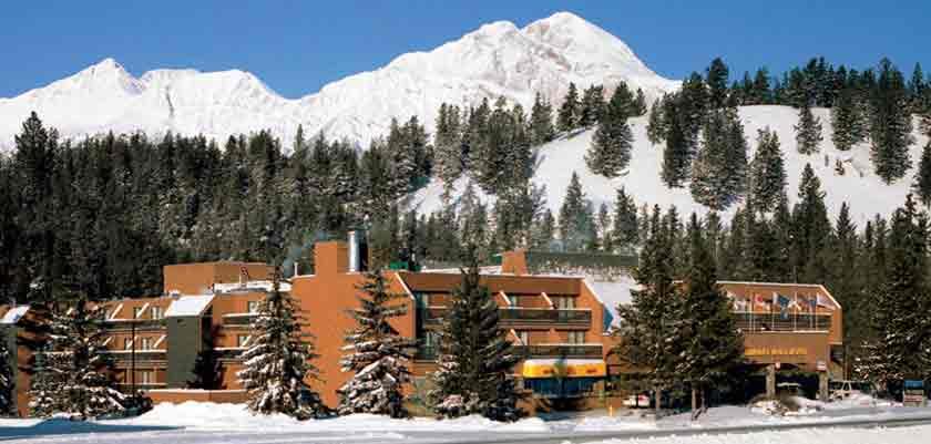 canada_jasper_sawridge_hotel_exterior.jpg