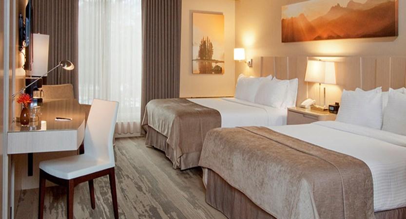 canada_jasper_sawridge_hotel_queen_beds.jpg