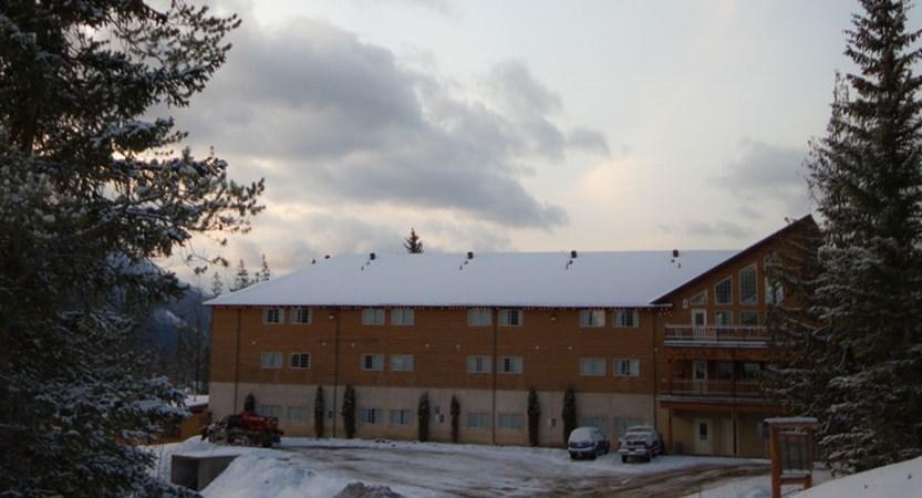 canada_fernie_fernie_slopeside_lodge_exterior2.jpg