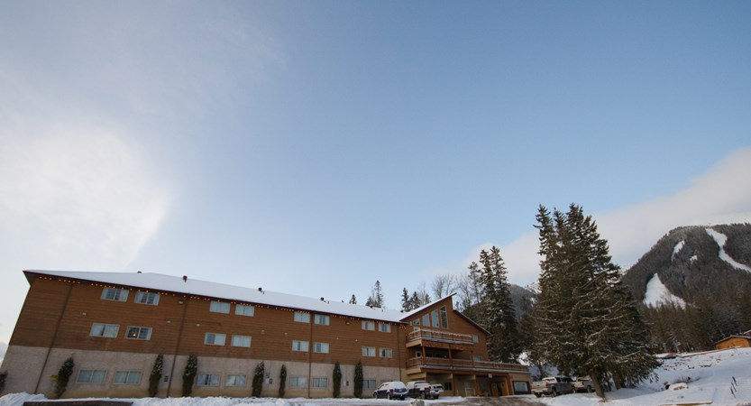 canada_fernie_fernie_slopeside_lodge_outside.jpg