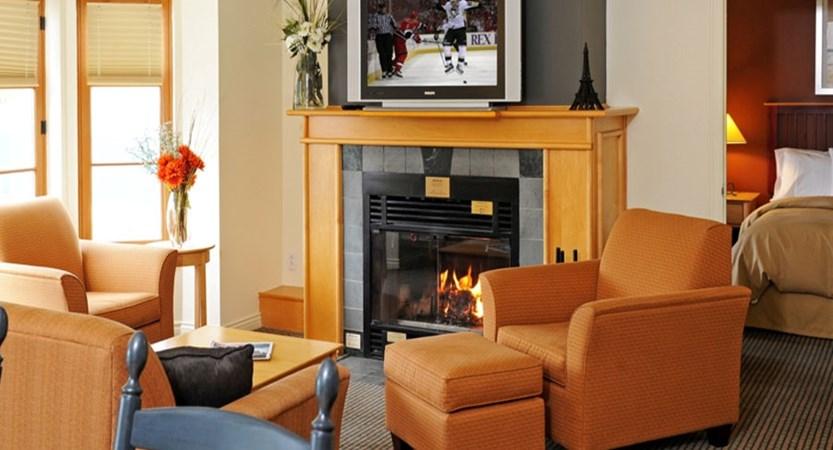 canada_mont_tremblant_homewood_suites_be_hilton_lounge.jpg