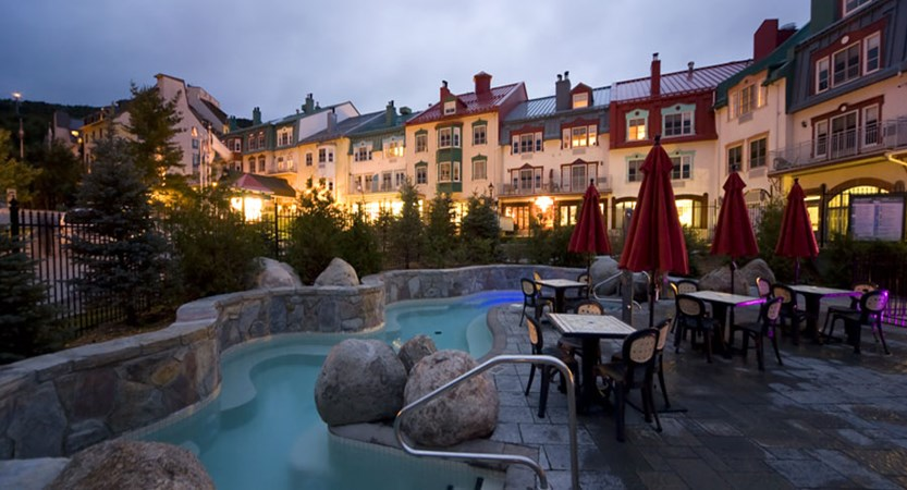 canada_mont_tremblant_homewood_suites_be_hilton_pool_night.jpg
