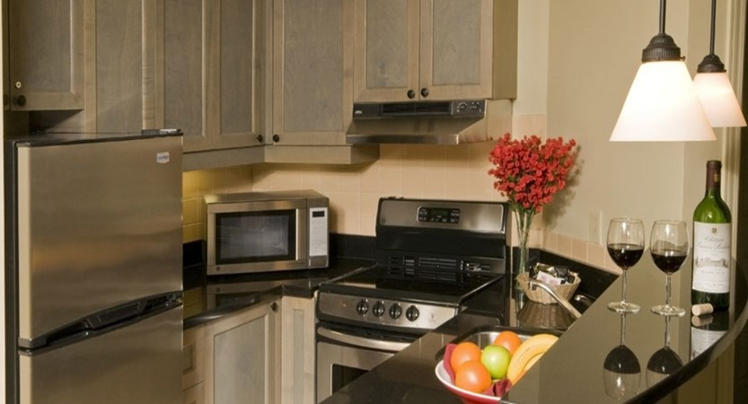 canada_mont_tremblant_Marriott_Residence_Inn_Apartments_kitchen.jpg