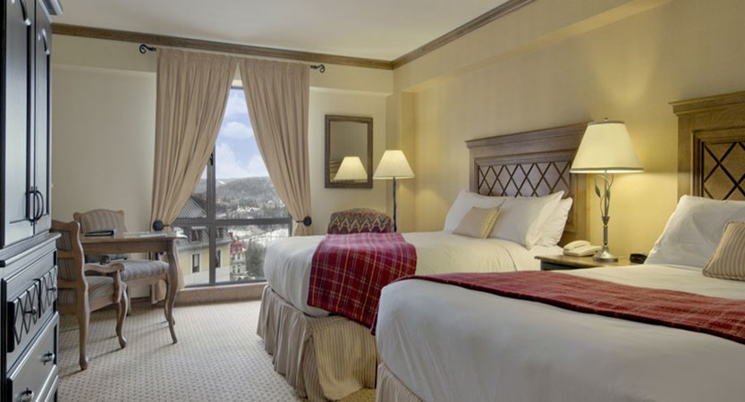 canada_mont_tremblant_hotel_fairmont_two_bed_bedroom.jpg
