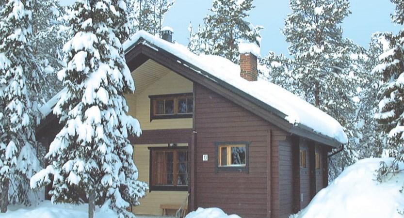 Finland_Lapland_Levi_Immelmokit-Cabins_exterior.jpg