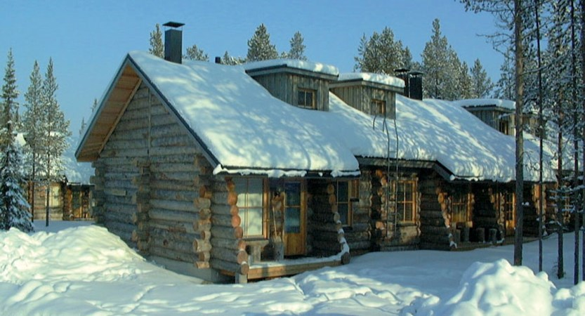 Finland_Lapland_Levi_Levi_log_cabins_row_of_cabins.jpg
