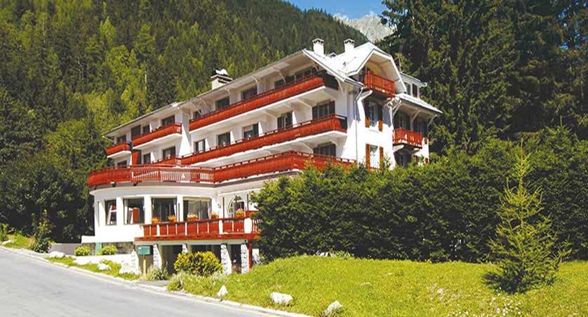 Chalet Hotel Sapinière, Chamonix, France - Exterior