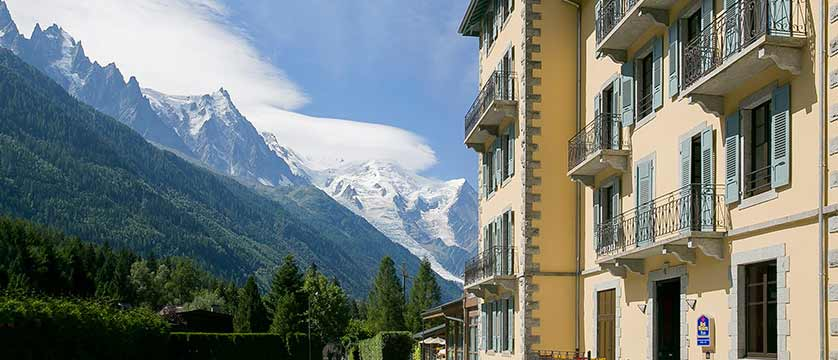 Hotel Excelsior, Chamonix, France - exterior with view of Mont Blanc.jpg